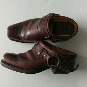 FRYE 70760 Belted Leather Harness Mules Clogs Sz 7